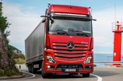 Mercedes-Benz tests new Actros with Active Drive Assist
